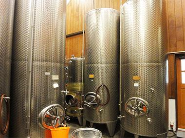 2. 醸造タンクの除菌(定期的に実施)