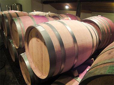3. ワイン貯蔵樽の除菌(定期的に実施)