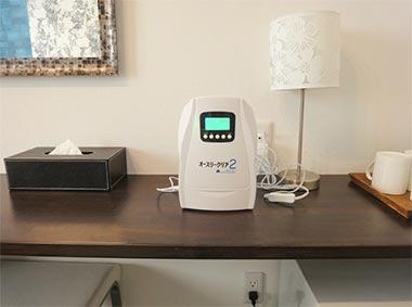 オースリークリア2を利用した客室のオゾン脱臭作業