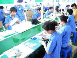 契約工場内 2 世界中に輸出するため、大量の人員を抱えてます